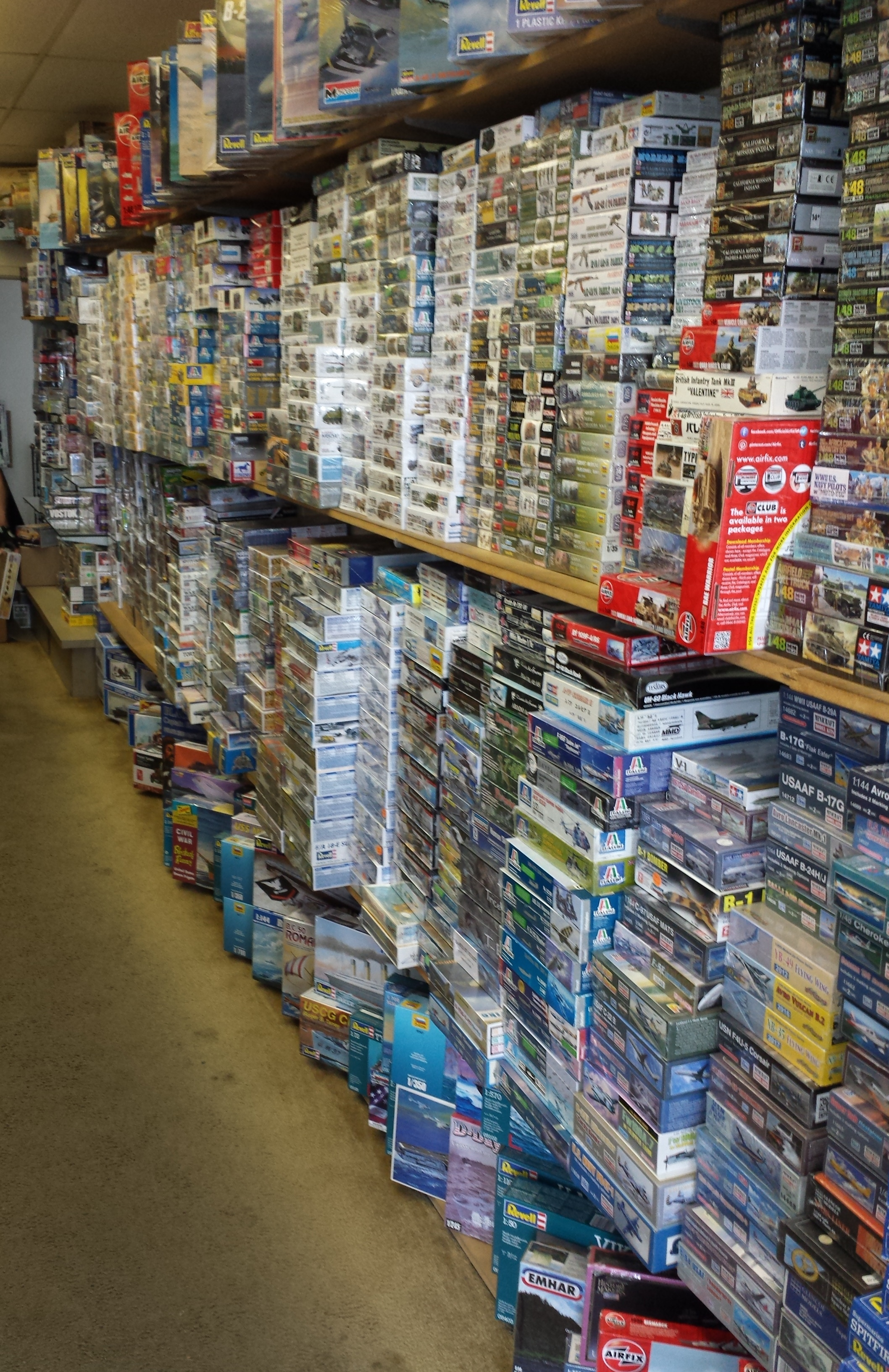 North Carolina Sports Card Shop locator - See featured sports card shops in NC including hobby shops in Boone,Cary,Fayetteville,Gastonia,Greensboro,Greenville.